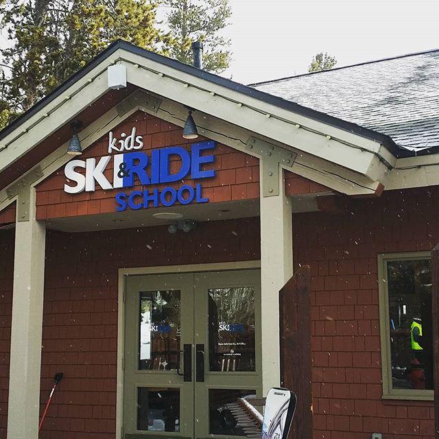 Keystone Ski and Ride School is a great Ski School They did a good job providing ski instruction for the kids. SkiSilverthorne SkiSchool Keystone Snow colorado snowski