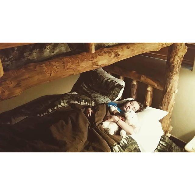 The Ski Silverthorne Lodge Snuggle Effect SkiSilverthorne Silverthorne Dillon Frisco Breckenridge Keystone Colorado gobreck breckbecause
