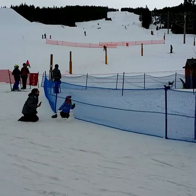 Snow skiing down the stunt course at Breckinridge  #breckenridge #skisilverthorne