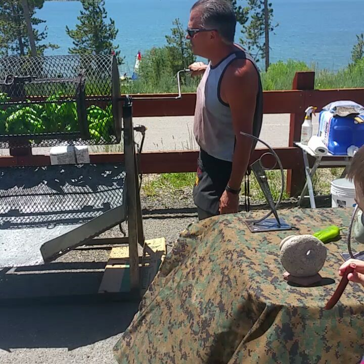 One of our favorite things about coming to the ski Silverthorne Lodge is going to the Dillon Farmers market. It is held every Friday from 9 a.m. to 2 p.m. during the summer. Our favorite place is this chili pepper roaster guy.  #skisilverthorne #dillon #dillonfarmersmarket