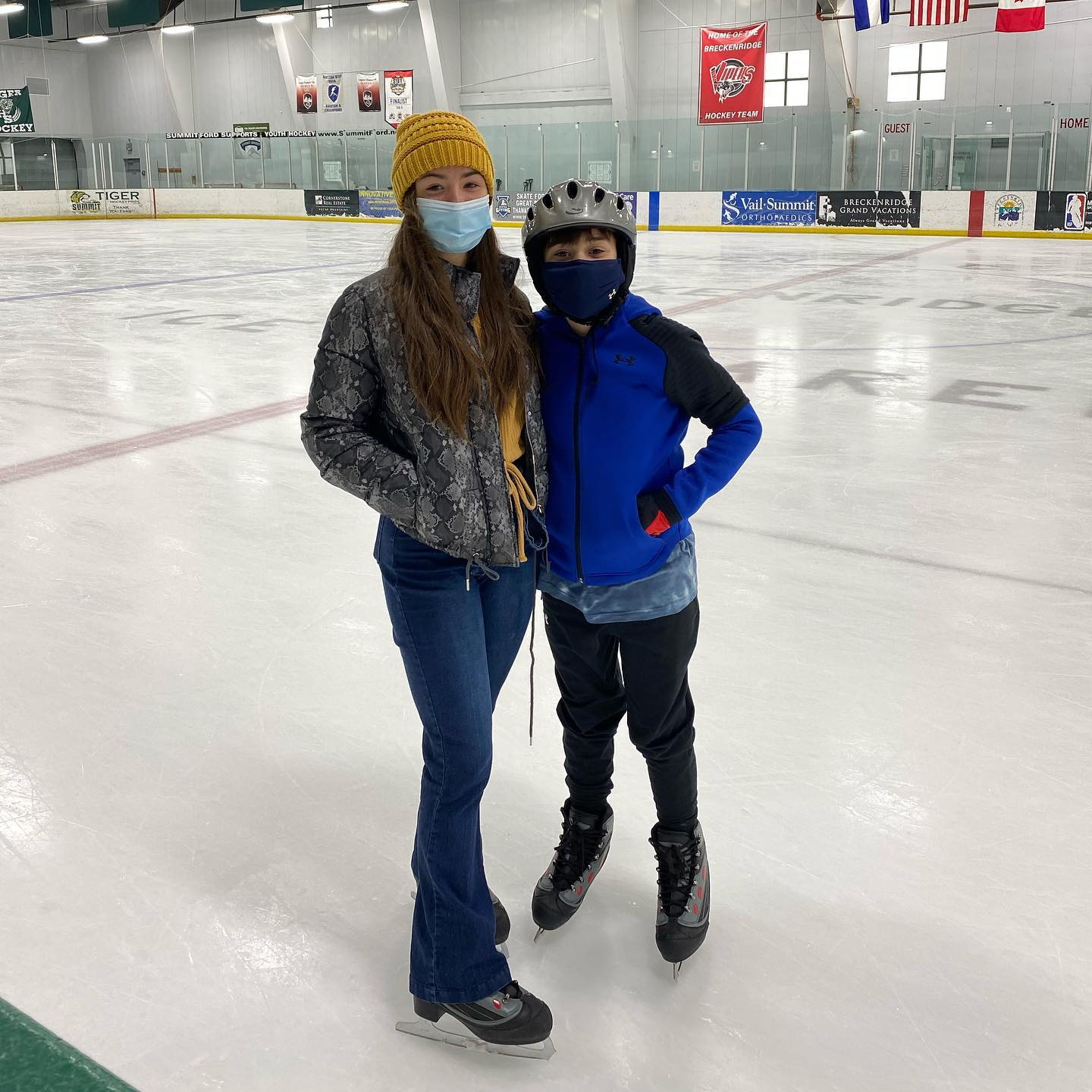 Indoor Ice skating at Breckinridge Colorado- so much fun! Open for public skating hours daily- check it out for some family fun! #indoorskating #familyfun #skatinginbreck